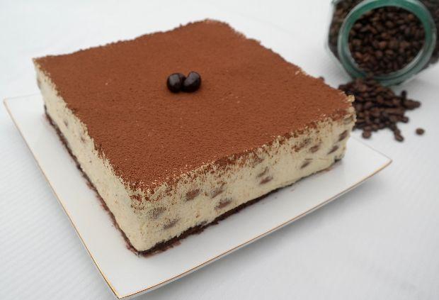 Íme, az olasz desszert, ami térdre kényszerítette az egész világot. A Tiramisunak lehetetlen ellenállni! És most már nem is kell, mert íme, ...