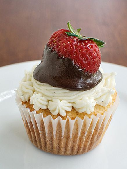 Ganache-Filled Vanilla Bean Cupcakes with Ganache-Dipped Strawberries