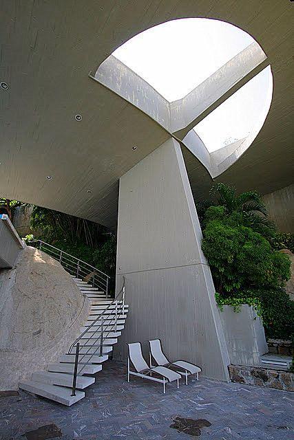 Arango-Marbrisa House, Acapulco Mexico (1973)   John Lautner