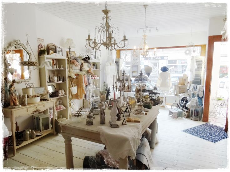 Inside one of our German stockist's shops, Glamoros. It's very romantic and  of course. Annie SloanKreide ...