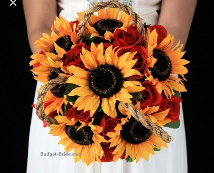 I love these colors. The sunflowers, dark red and burlap
