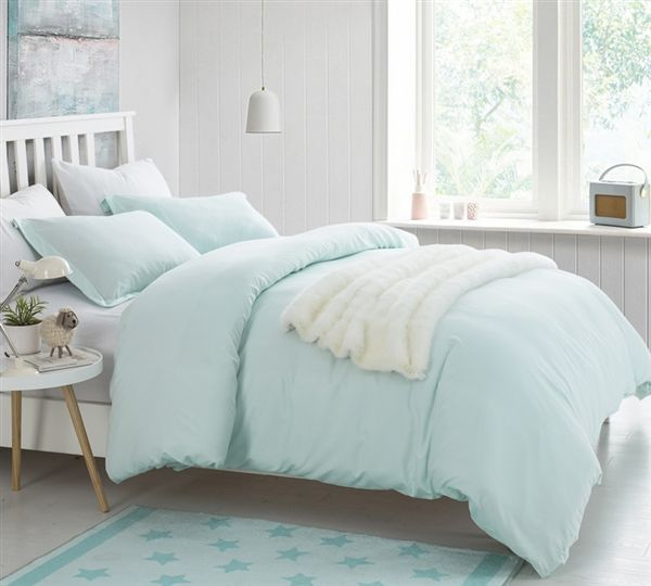 Comfortable Oversized Queen Bedding One Of A King Hint Of Mint Soft Green Queen Xl Duvet Cover Supersoft Duvet Bedding College Bedding Duvet Bedding Sets