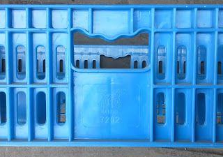 Selatan Jaya distributor barang plastik Surabaya: Keranjang plastik krat gelas merk rabbit kode 7202...
