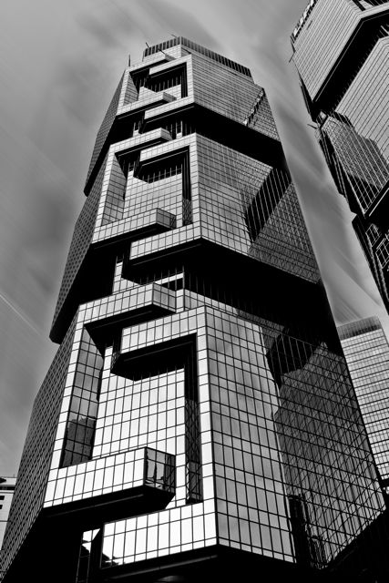 The Lippo Tower/Centre ( 力寶中心 ) - previously known as the Bond Center ( 奔達中心 ) | Location: Hong Kong  ( 香港 ), China ( 中国 ) | by (world famous architect) Paul Rudolph [ http://en.wikipedia.org/wiki/Paul_Rudolph_(architect) ]  | photo by Simen Platou: www.simenplatou.com