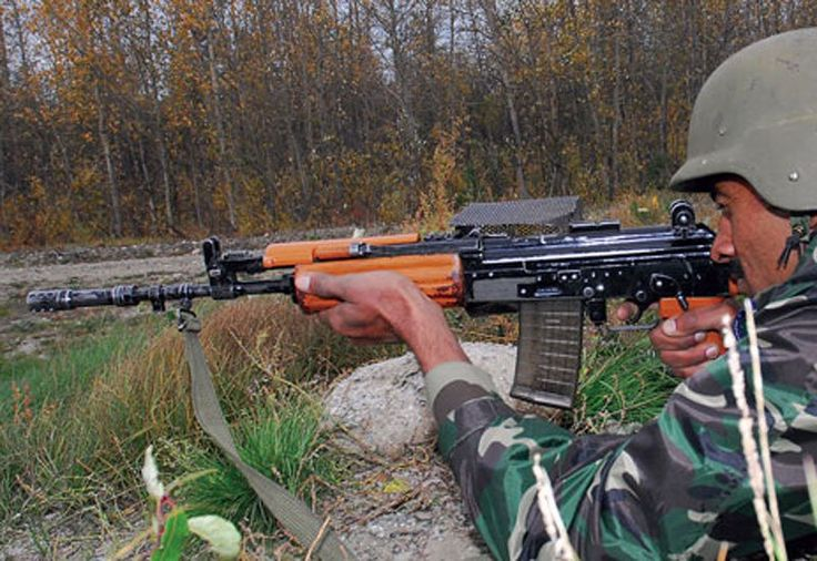 Weeks after the Indian Army rejected an indigenously-built assault rifle, the government has decided to speed up the procurement procedure for over 185,000 high calibre guns to replace the ageing INSAS rifles. According to indianexpress.com, the Army has been pressing for fast tracking the... http://i-hls.com/archives/77492 -