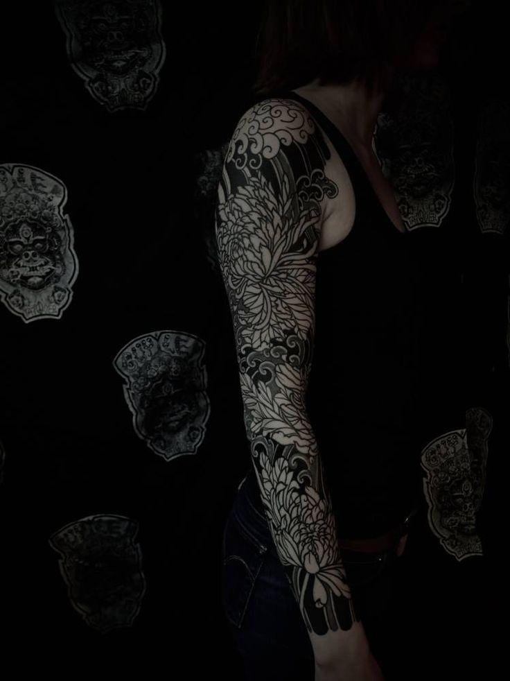 Blackwork Japanese sleeve, healed step after 3 weeks on Fanny. Tattoo Artist: Guy Le Tatooer