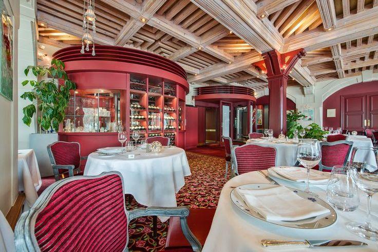 La cave et le restaurant perebise relaischateaux for Le pere du meuble furniture