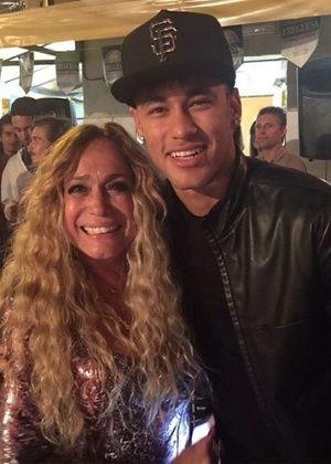 """Neymar e irmã gravam participação no primeiro capítulo de """"A Regra do Jogo"""" #Atriz, #BeijinhoNoOmbro, #Futebol, #Globo, #Instagram, #Neymar, #Novela, #VANESSA http://popzone.tv/neymar-e-irma-gravam-participacao-no-primeiro-capitulo-de-a-regra-do-jogo/"""