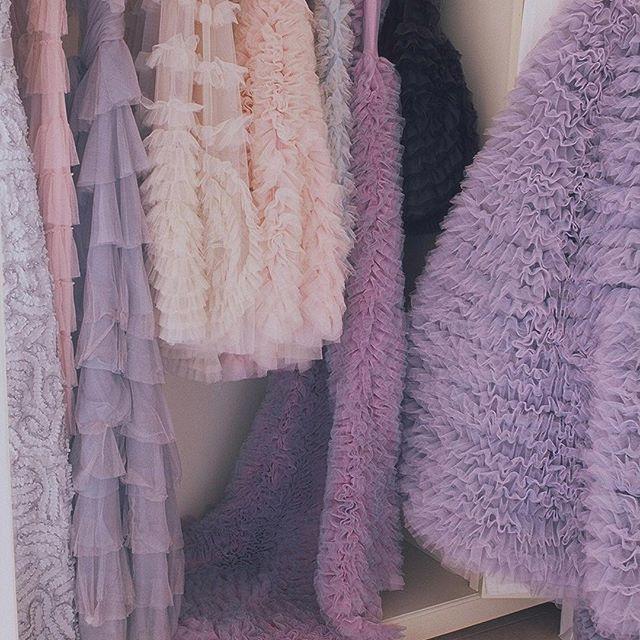 Dreamy Dresses Paradise ☁️ #LuisaBeccaria •  #dreamydress#dreamydresses#bridalatelier#weddinginspiration#trueromance#lilacdream#hautecouture
