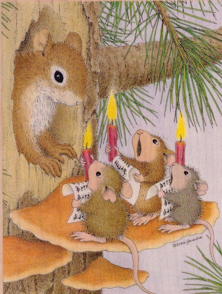 Christmas caroling mice*