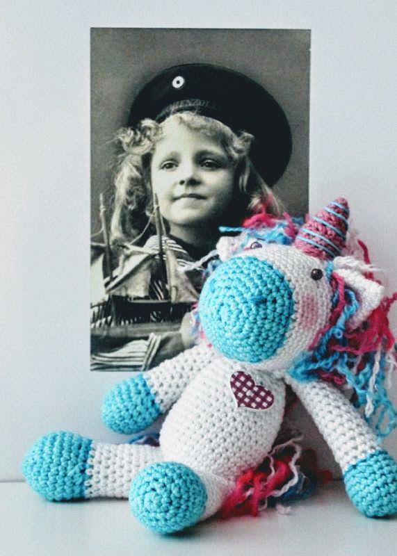 Háčkovaný jednorožec Adel:)   Autorka: Savarona   Háčkovanie, hračka, jednorožec, hračka   Artmama.sk