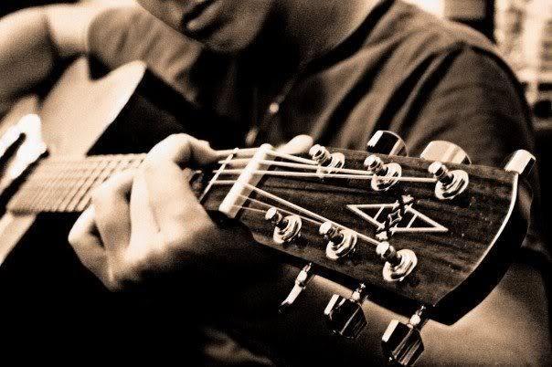 Hoe te kopen een gitaar - Advies voor Beginners--http://goo.gl/bNXes3