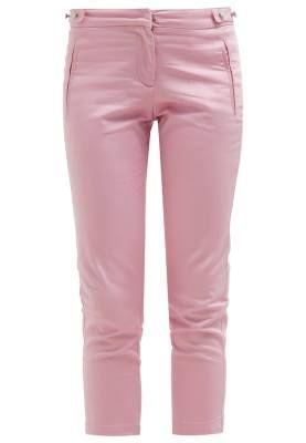 Morgan Piekas Pantalón De Tela Rose Pale Para Cada Ocasión Hay unos pantalones de tela de mujer para cada ocasión, sólo tienes que buscar en nuestra colección para encontrar tu outfit ideal.