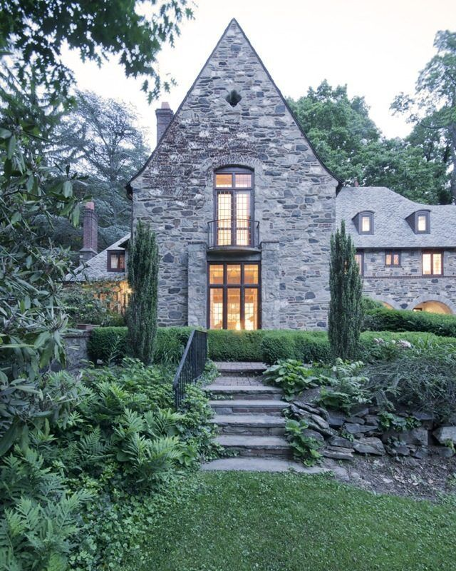 116 best french style homes images on pinterest for Castle style homes for sale
