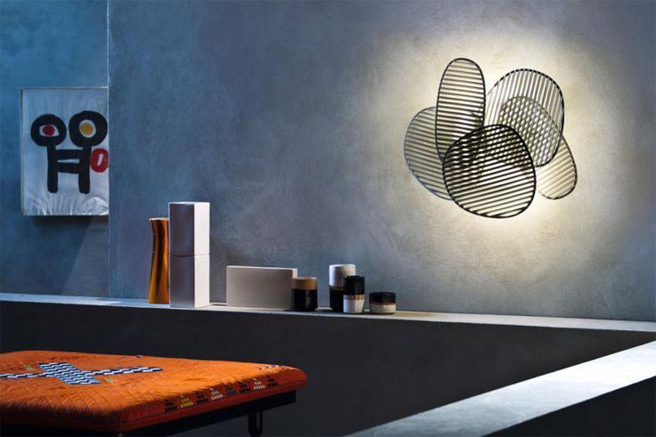 IL MEGLIO DEI PROGETTI DA ABITARE | Nuage di Foscarini | Philippe Nigro gioca con la luce e conquista con questa lampada da parete (o soffitto),componibile a piacere. Perfetta per disegnare lo spazio con un motivo di luci e ombre di grande effetto. | #design #illuminazione #casa #arredo #adi2014 @foscarinilamps |