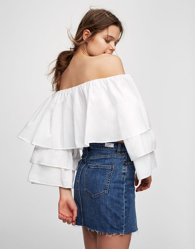 Crop top with frilled sleeves - Blouses & shirts - Clothing - Woman - PULL&BEAR Ukraine