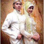 Kumpulan desain dan model baju pengantin terbaru 2015 dipadukan dengan konsep acara pernikahan sesuai dengan adat dan budaya dirancang oleh perancang ahli
