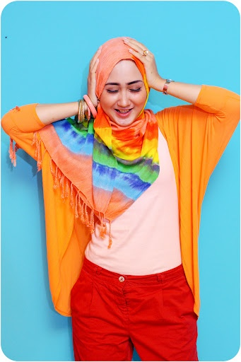 Dian Pelangi- The Rainbow in Rainbow Color
