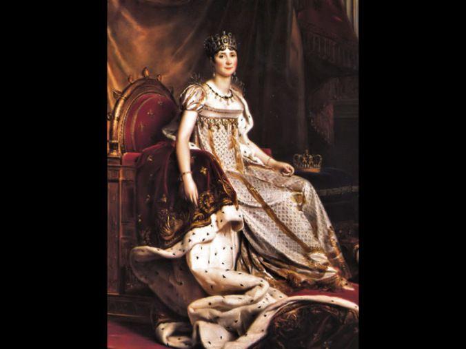 La anglomanía popularizó las sencillas telas de algodón afectando seriamente a la industria sedera de Lyon y consecuentemente a la economía francesa. Para reactivarla, Napoleón publica un decreto imperial mediante el cual regula la etiqueta dentro de la corte y en las ceremonias públicas: tanto hombres como mujeres deberán vestir trajes de seda.