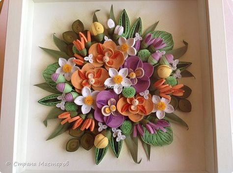 Картину сделала в подарок маме на её 60-летие, она у меня очень нежная поэтому такое название и цвета нежные, как она любит. Работа немного похожа на предыдущую, так как и мама и женщина, для которой был сделан букет Экзотика, родились в один день и в один год. Орхидеи из полос 1,5мм, остальные детали из 3 мм. Фон сухая пастель. фото 6