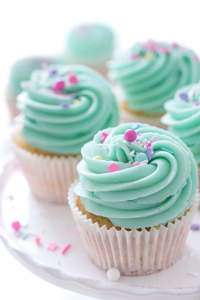 When it comes to baking a true classic for me are Vanilla Cupcakes! You just can't go wrong with these. They can be varied in so many ways and bright sprinkles look extra cute on them.
