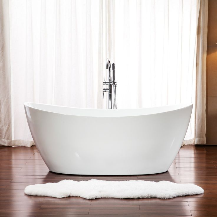 Add a striking statement piece to your modern bathroom with the Florence Freestanding Bathtub.