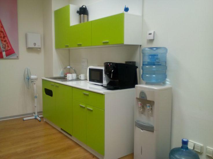Офисная мини-кухня.