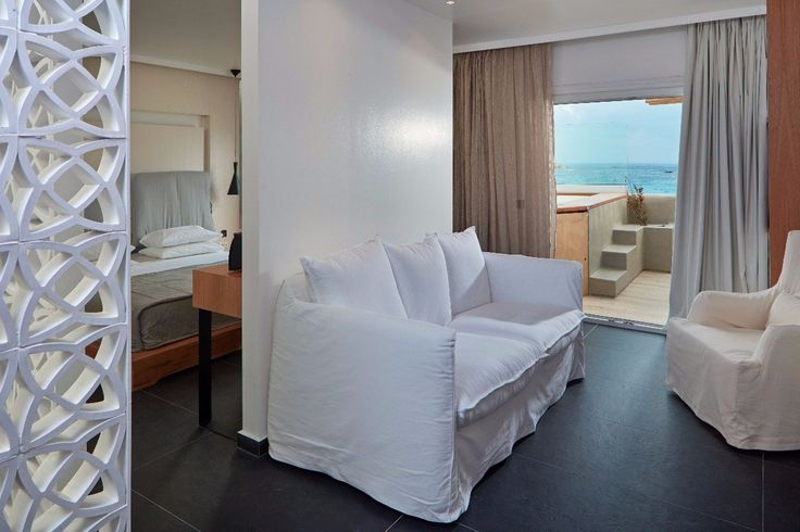 When we talk about luxurious accommodation on the island of #Mykonos, there is one #hotel that stands out for its outstanding value for money proposals!