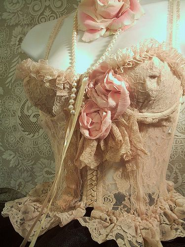 Pink roses and pearls corset