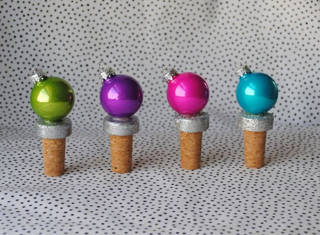 DIY Christmas Wine Stoppers