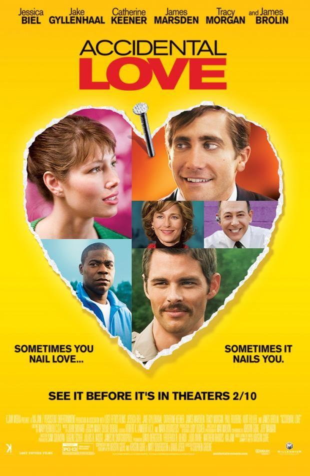 Accidental Love est un film de David O. Russell avec Jake Gyllenhaal, Jessica Biel. Synopsis : Un ouvrier blesse maladroitement une réceptionniste avec un clou dans la tête. La jeune femme décide de partir à Washington pour militer pour ses droi