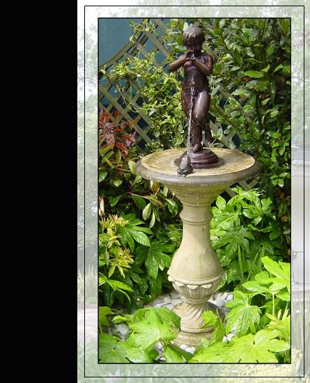 ver 1 000 bilder om Bronze Garden Statues p PinterestDelfiner