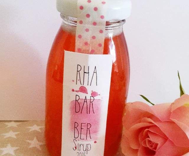 Rezept Rhabarber-Sirup von Backingstar - Rezept der Kategorie Getränke