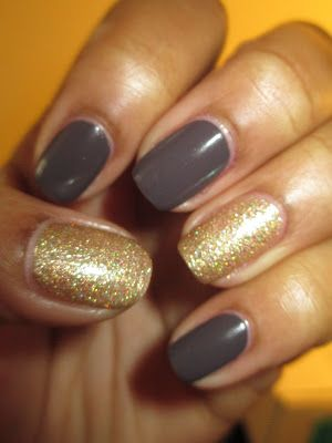 I love the idea of pairing the ever popular grurple color with white gold, glittery accent nails.