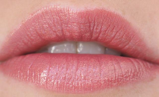 OSTOLAKOSSA: Popping Colour. Esittelyssä Clinique Pop Lip Colour + Primer -huulipuna.