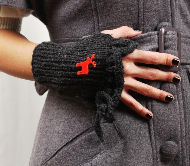 via en.dawanda.com Gloves – Charcoal Gray Handwarmers with Red Reindeer Pin – a unique product by bugga on DaWanda