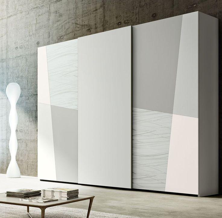 Шкаф-купе дизайнерский, с диагональными текстурами