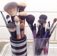 Trucs de pro pour nettoyer les pinceaux de maquillage (facile et économique)