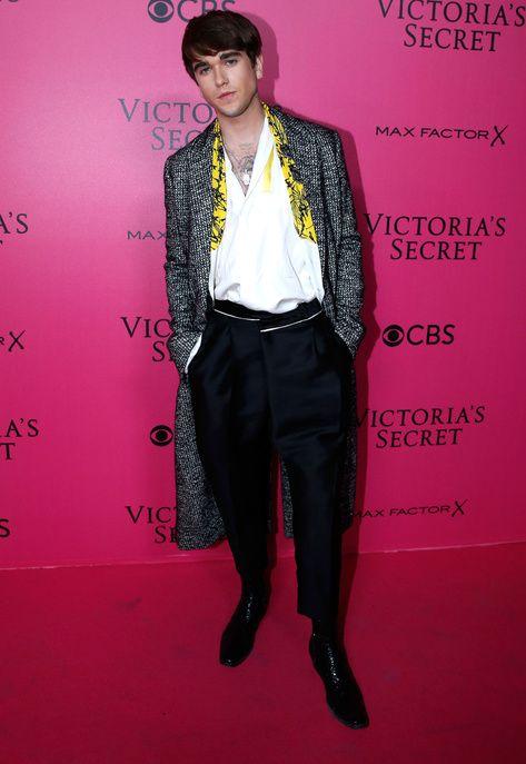 Gabriel Kane Day Lewis sur le tapis rouge du défilé Victoria's Secret