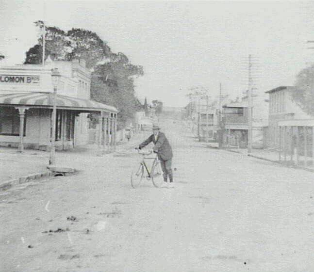 Corner of Queen and Lithgow Streets,Campbelltown,in southwestern Sydney in 1900.