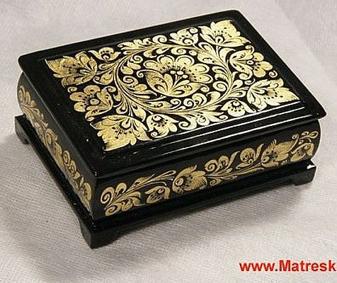 Linden wood box with gold foil decoration, 10 x 7 cm.  #antique #vintage #box