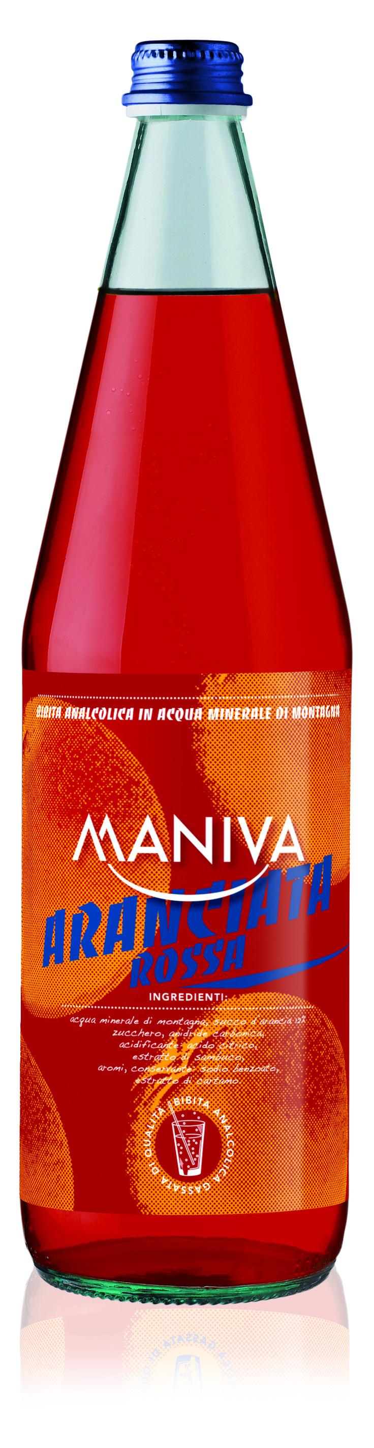 ARANCIATA ROSSA MANIVA, con estratto di Sambuco. Bibita analcolica frizzante, di alta qualità garantita anche dalla leggera acqua minerale di montagna di cui è composta