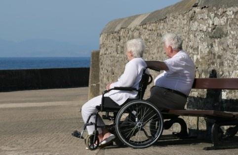 Duitsland 'exporteert' bejaarden - De Standaard  Steeds meer Duitse bejaarden worden naar rusthuizen in Oost-Europa en Azië gestuurd omdat ze een Duits bejaarden- huis niet meer kunnen betalen.