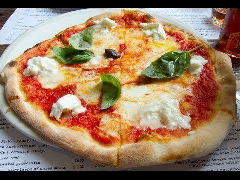 Masa Para Pizza y Pizza Margarita Casera de Tomate y MozzarellaCocineros Italianos | Recetas Italianas | Cocineros Italianos | Recetas Italianas