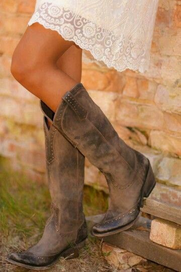 Rustic leather cowboy boots / casual cowgirl