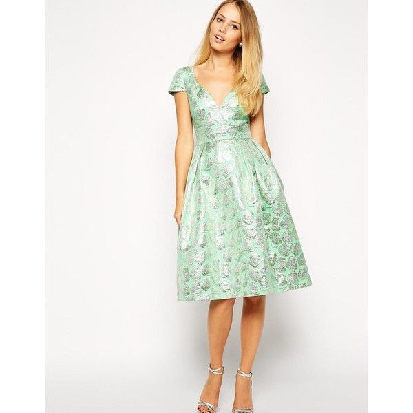 ASOS Deep Plunge Metallic Prom Dress (190 BRL) ❤ liked on Polyvore featuring dresses, green, white cocktail dresses, white prom dresses, fit and flare dress, white fit and flare cocktail dress and white fit-and-flare dresses