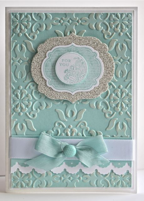 Stampin' Up!  Gorgeous card using Vintage Wallpaper Embossing Folder