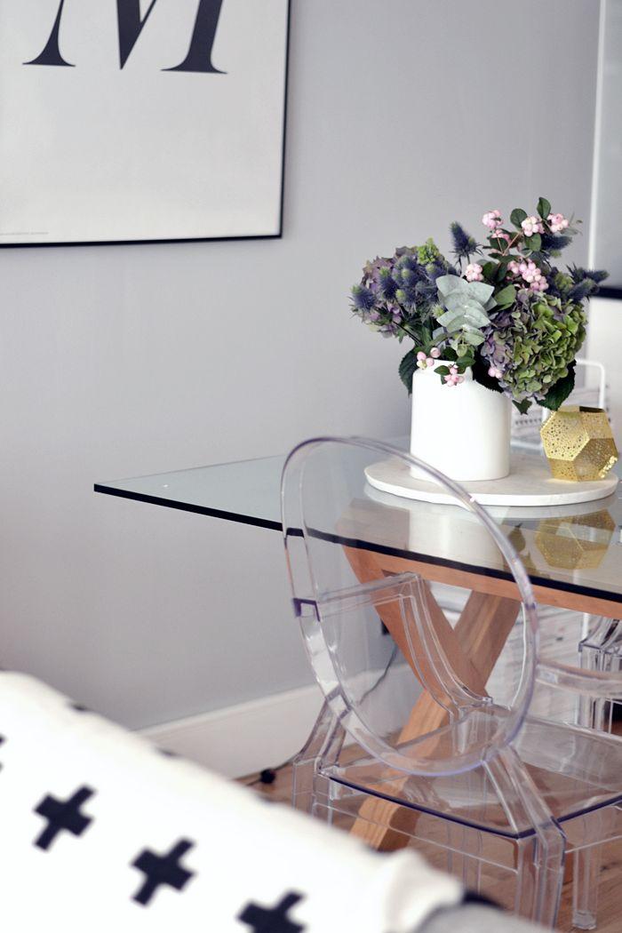 PASTELLIMAJA, interior, dining area, dining chairs, flowers