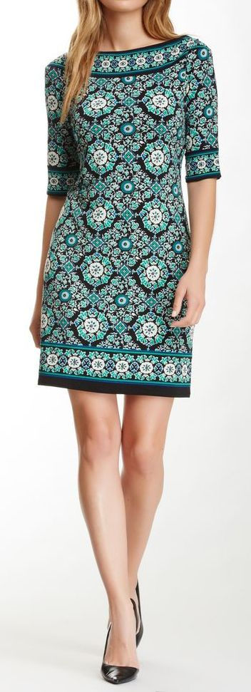 Cute cute cute! Reminds me for some reason of the white/black dress with the embroidered leaves at the neck I got from #Lauren #BestStylistEver at #StitchFix. I love that dress!