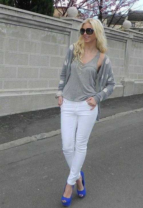 White pants  , Zara en Camisetas, Zara en Jeans, Jessica Simpson en Tacones / Plataformas, Forever21 en Cardigans, Gucci en Gafas / Gafas de sol